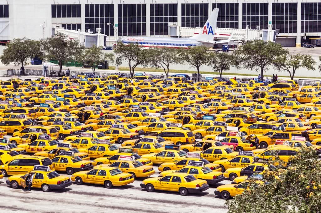 taxi-cab-fleet-airport
